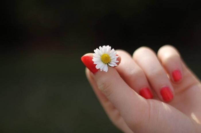 Fortalece tus uñas con limon